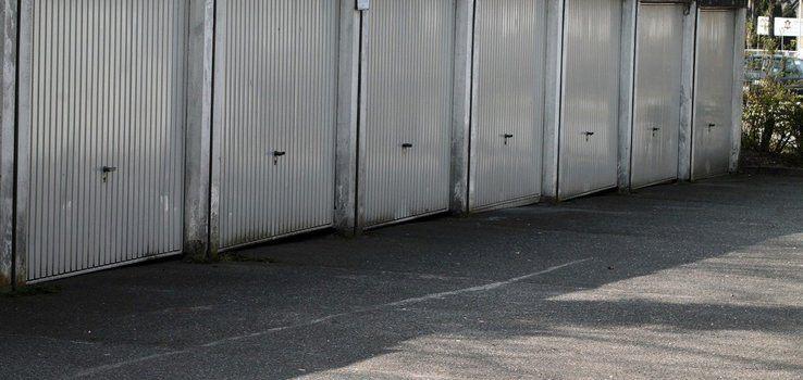 Сгънатият вид гаражни врати 1